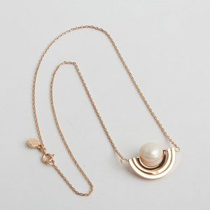 Tory Burch Spinning Pearl Delicate Necklace